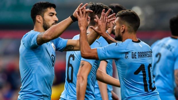 0e6d64cf57 Copa Tática  Uruguai e a sua revolução dos meio-campistas