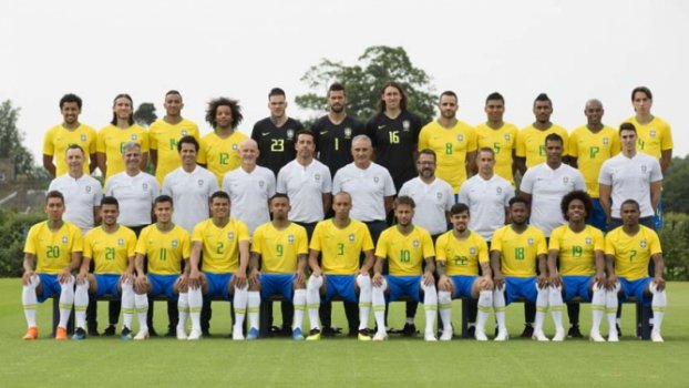 Seleção Brasileira posa para foto oficial