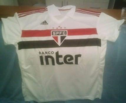 763b4c7cb9155 Vazam na internet imagens de possível nova camisa do São Paulo