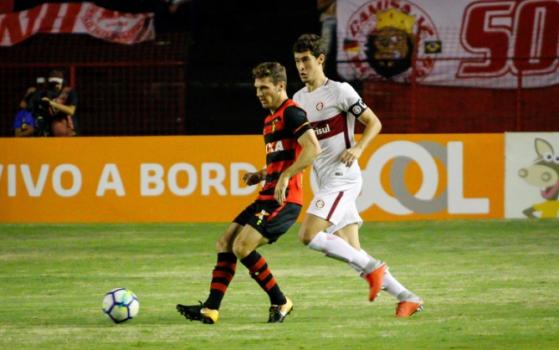 Inter E Derrotado Pelo Sport E Perde A Chance De Dormir Na Ponta Da Tabela Lance