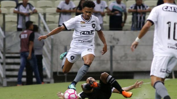 Ceará perde pênalti e Botafogo segura empate no Castelão  87ca5c7fbc825