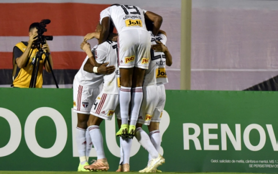 São Paulo derrota o Vitória 8bea8d99acd77