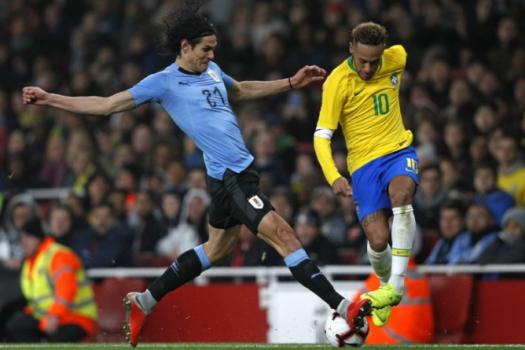 Brasil x Uruguai - Neymar e Cavani