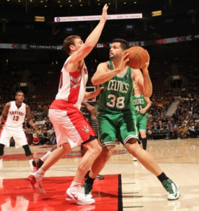 Vitor Faverani - Boston Celtics (Foto: AFP)