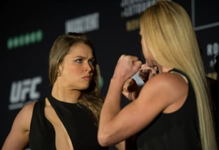 Ronda Rousey encara Holly Holm antes do UFC 193 (FOTO: Getty Images)
