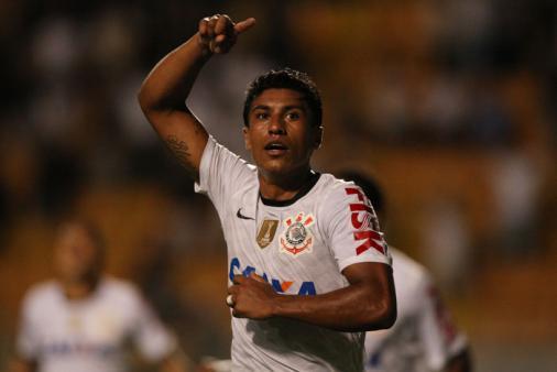 Sem antecipar planejamento para 2022, Sylvinho aprova Paulinho no Corinthians: 'Todo time gostaria'