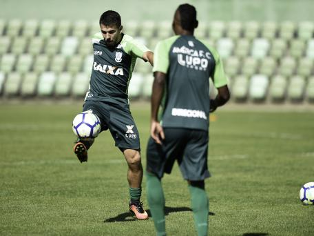 América-MG evita 'euforia' caso Grêmio venha com time misto