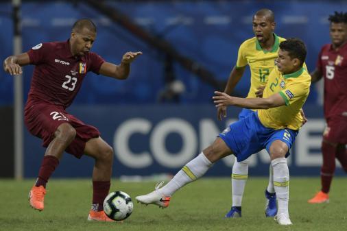 Thiago Silva avalia vaias e lamenta empate: 'Paciência no último passe'
