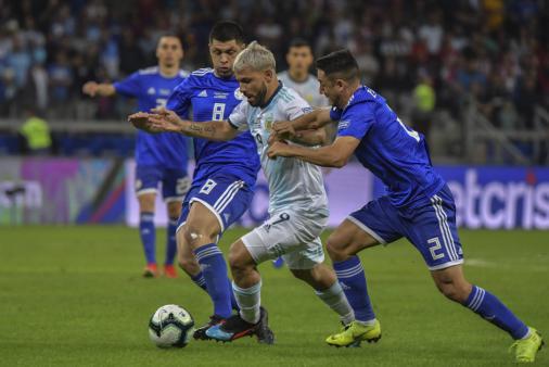 Com pênaltis, Argentina e Paraguai empatam e levam definição para a última rodada da Copa América