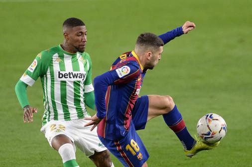 Emerson Royal passa por exames no Barcelona antes de começar a treinar