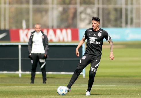 Treino do Corinthians tem 'turma do sub-23' e retorno de Mantuan e Ruan Oliveira