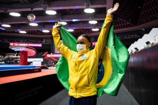 Lance! Rápido: Rebeca Andrade é ouro no Mundial de Ginástica